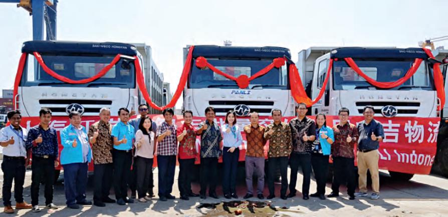 Lô xe tải ben IVECO-HONGYAN đầu tiên giao cho khách hàng Indonesia