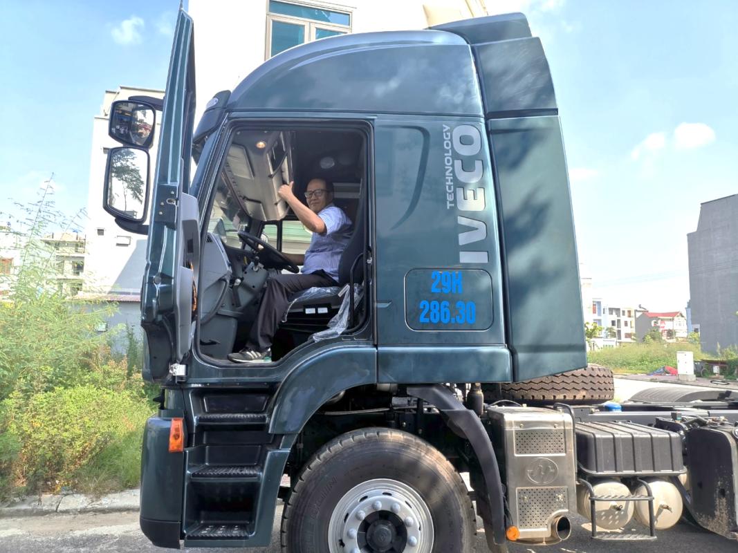Khách hàng tham gia lái thử dòng xe đầu kéo IVECO-Hongyan do Trường Thịnh Group tổ chức