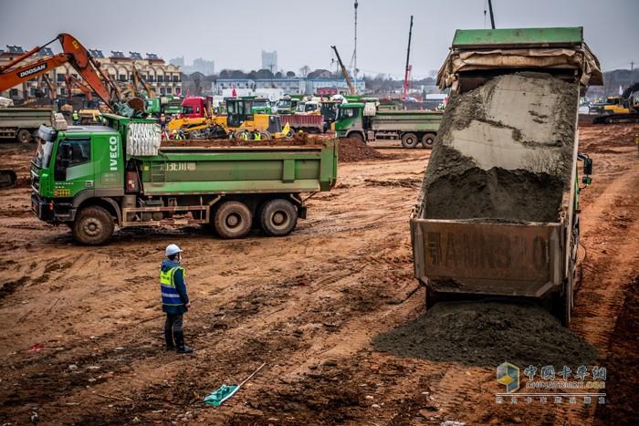 Công trường xây dựng bệnh viện Hoả Thần Sơn